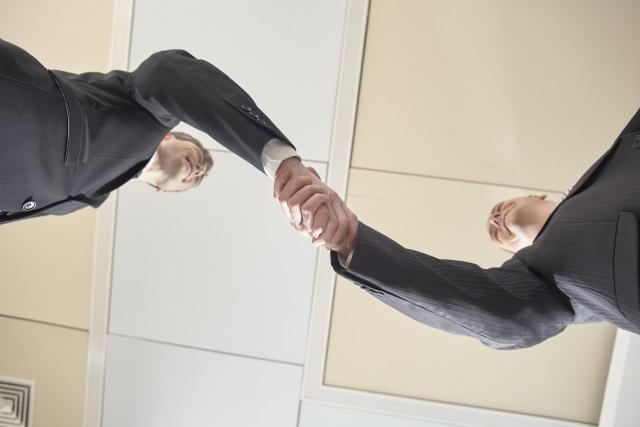 探偵と弁護士の提携!両者の役割と関係性とは?