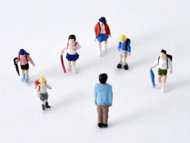 【いじめ】小学校での事例3つを紹介!学校への保護者の対応策とは?